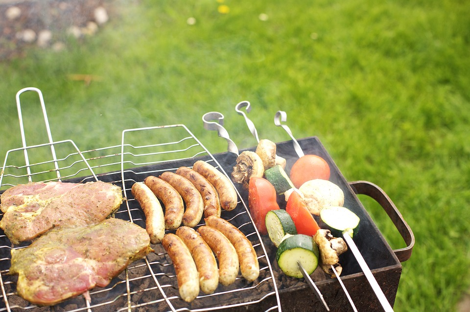 Am nager son jardin pour un barbecue r ussi barbecue partybarbecue party - Reussir un barbecue party ...